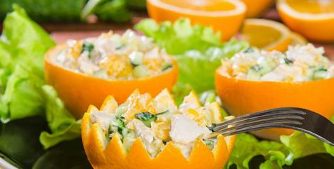 салат из курицы и апельсина с корейской морковью