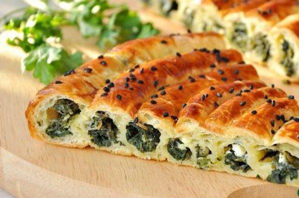 пирожки с шпинатом, зелёным луком и яйцом
