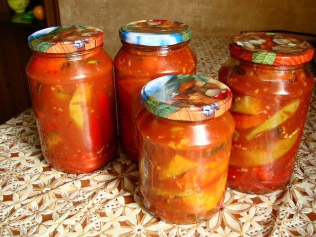 Острый перц в томатном соке на Зиму