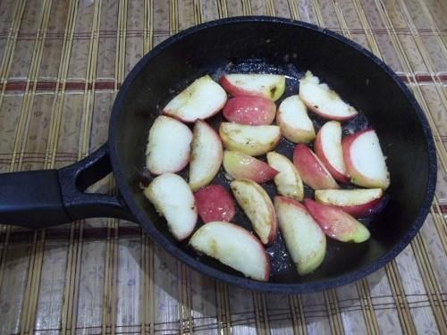 жаренные яблоки